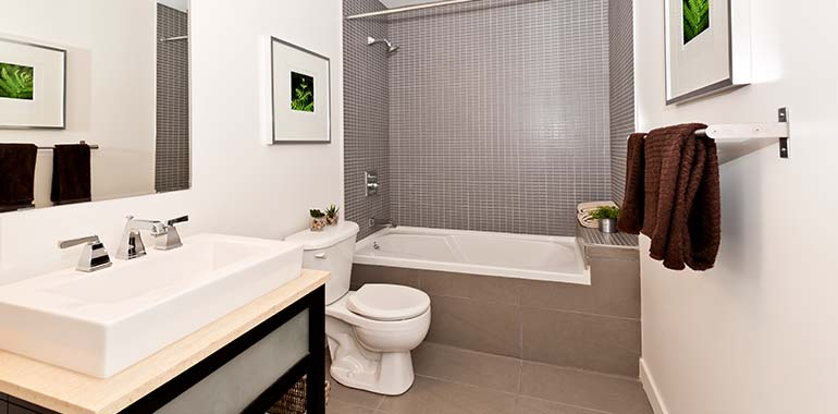 Green bay bathroom remodeling renovation services for Bath remodel green bay